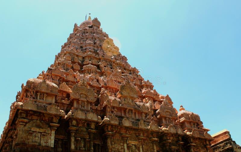 Dravidian a dénommé la tour principale ornementale antique avec des sculptures dans le temple de Brihadisvara dans Gangaikonda Ch photographie stock libre de droits