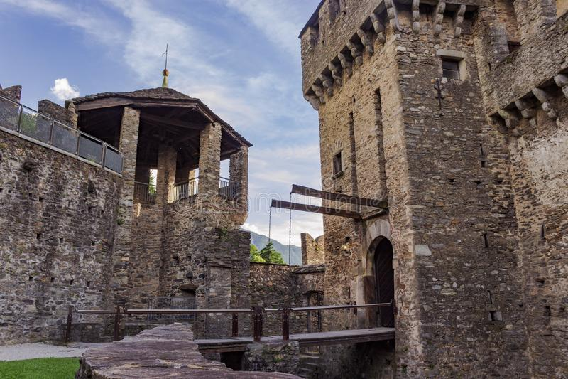 Drawbridge замка Montebello стоковое фото
