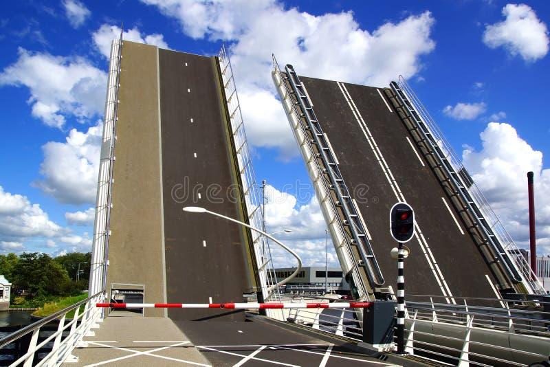 Drawbridge in Zaandijk. L'Olanda immagine stock libera da diritti