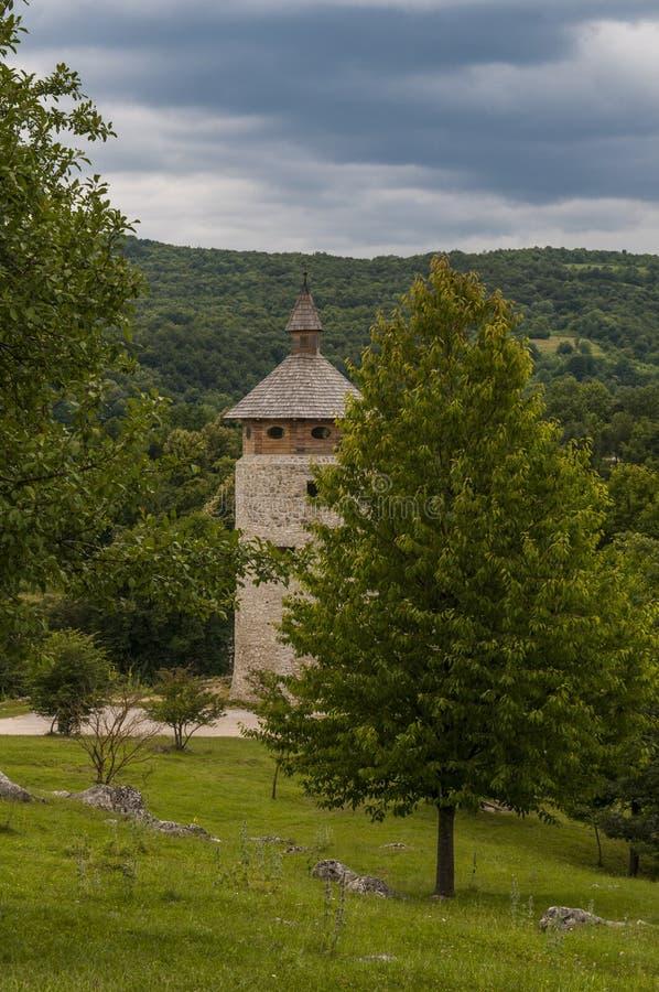 DreÅ ¾nik, Stari akademiker DreÅ ¾nik, Kroatien, Plitvice sjöområde, slott, fästning, landskap som är medeltida, Europa royaltyfria foton