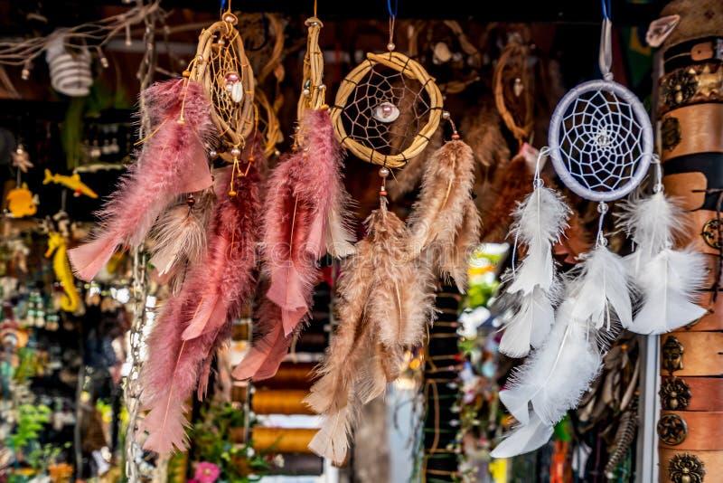 Dreamcatcher, amulette indigène faite main colorée images libres de droits