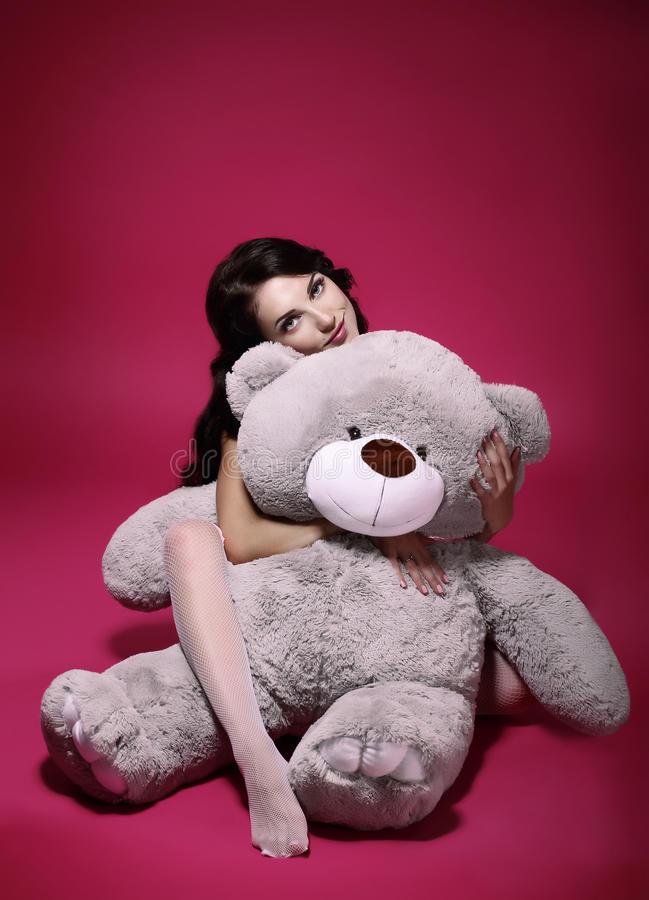Free Dreaminess. Sentimental Girl With Soft Toy - Gray Bruin In Embrace Stock Images - 34399994