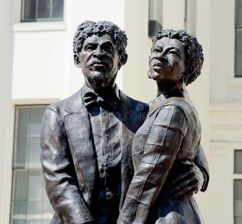 Dred Scott y esposa Harriet Robinson Statue imagenes de archivo