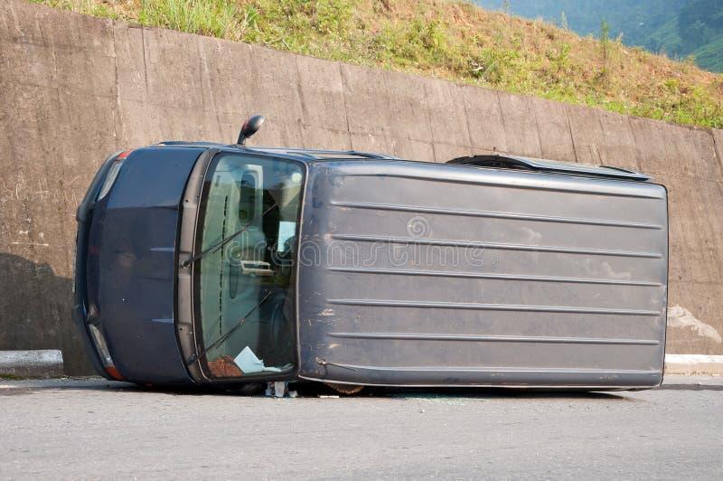 Drehen-über Auto stockfoto