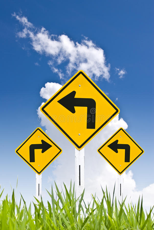 Drehen Sie Zeichen mit nettem Himmel stockbild