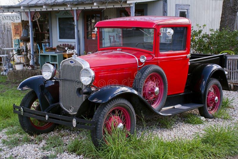 dreißiger Jahre vorbildliches A Truck, Antiquitätenladen, Fredericksburg Texas lizenzfreie stockfotos