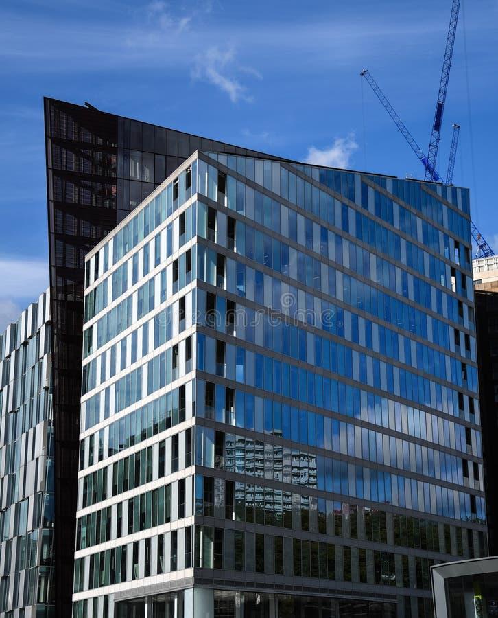 Drei Bürohäuser lizenzfreie stockfotografie