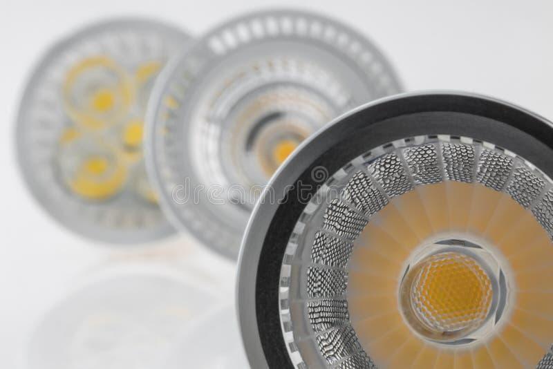 Drei Birnen LED GU10 mit verschiedenem Plastikstreulicht stockfotografie