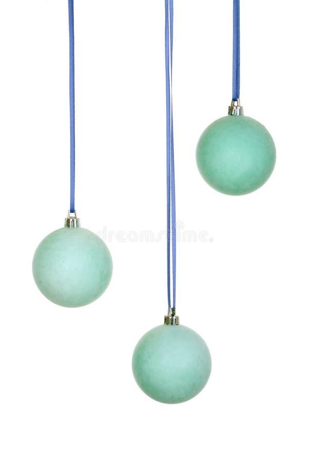 Drei blau/Smaragdweihnachtskugeln stockfotografie