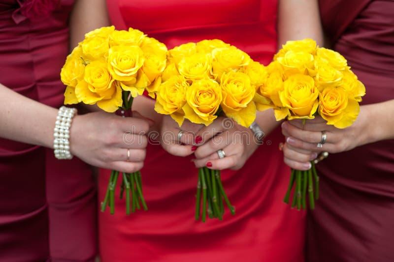 Gelbrose-Hochzeitsblumensträuße stockfoto