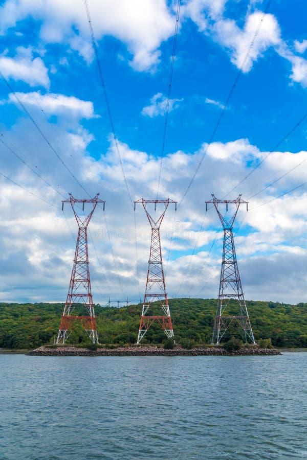 Drei Energie-Masten stockbild