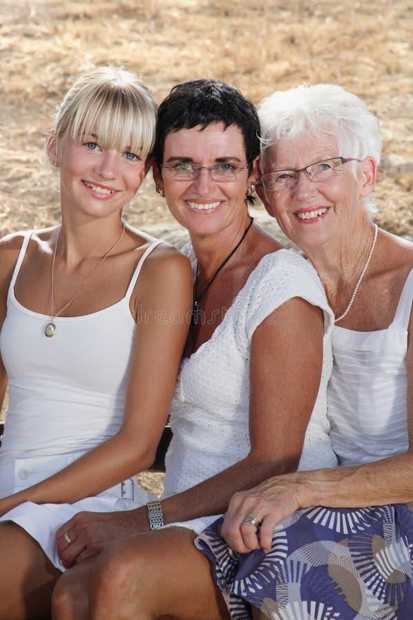 Drei Erzeugungen weibliche Schönheit stockfotos