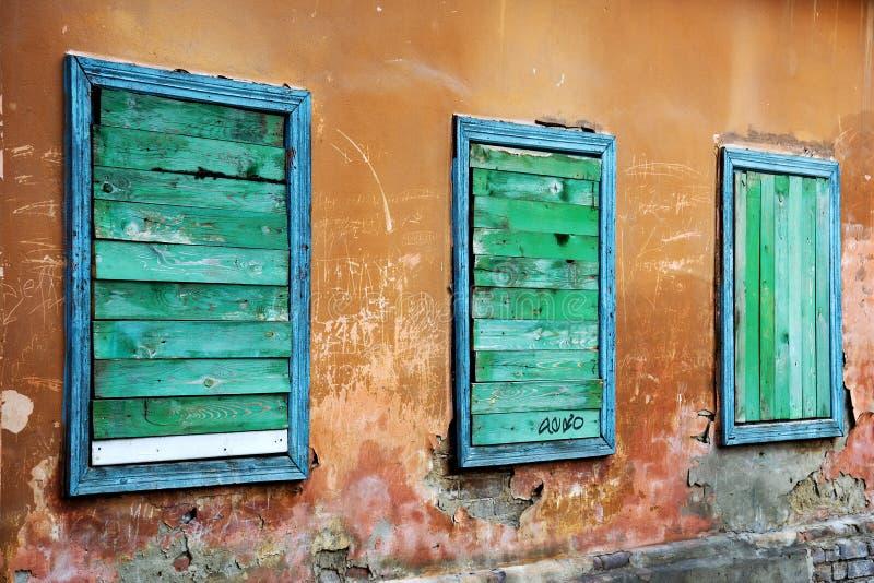 Drei Fenster. lizenzfreie stockfotos