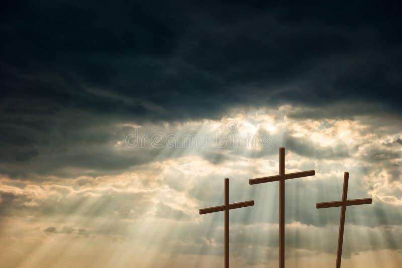 Drei hölzerne Kreuze lizenzfreie stockfotografie