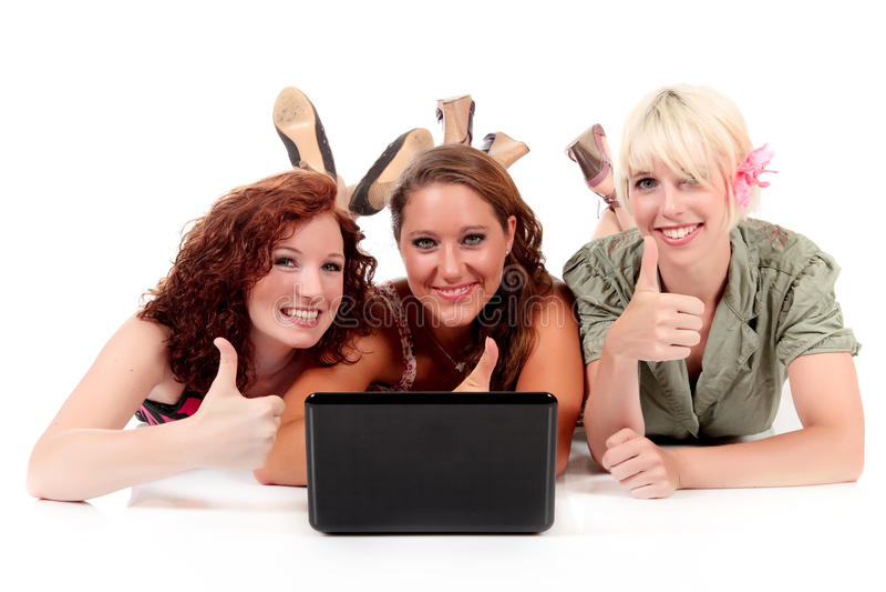 Drei junge attraktive Frauen stockbild