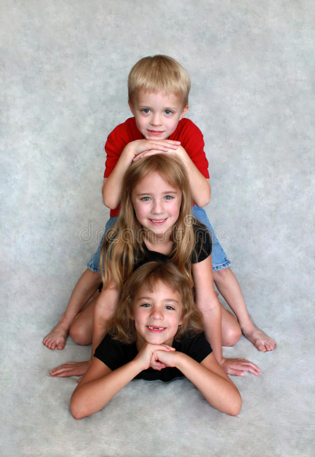 Drei Kinder lizenzfreie stockfotos