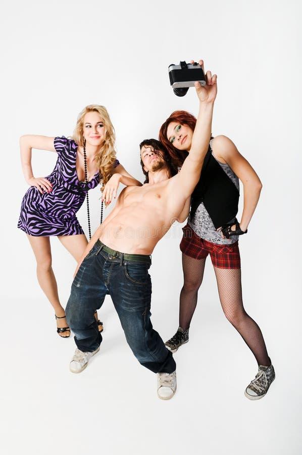 Drei Knaben am Studio, das ein photoshoot tut stockfotos