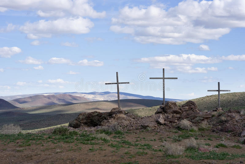 Drei Kreuze in der Wüste stockbilder