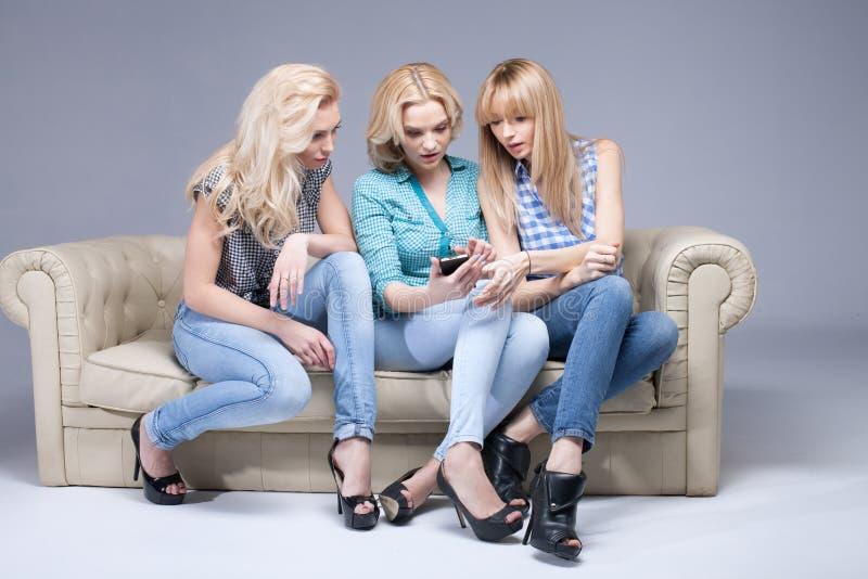 Elegante Lesbenszene Mit Zwei Schönen Frauen