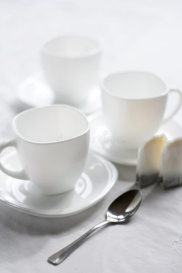 Drei weiße Cup. lizenzfreies stockfoto