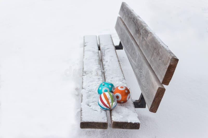 Drei Weihnachtsbälle lizenzfreie stockfotos