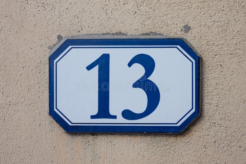 Dreidimensionales Hausnummer dreizehn lizenzfreie stockbilder