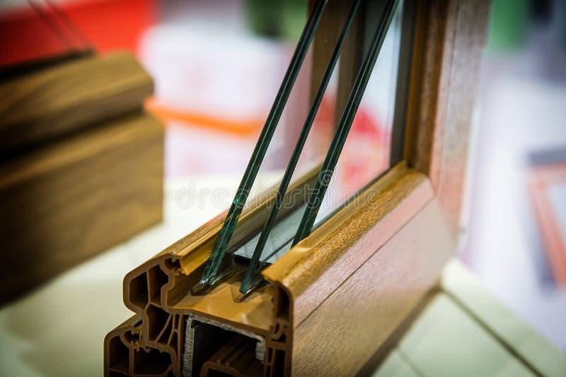 Dreiergruppe glasig-glänzendes Fenster stockfotos