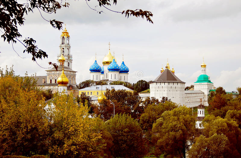Dreiheit Sergius Lavra im Herbst stockfoto