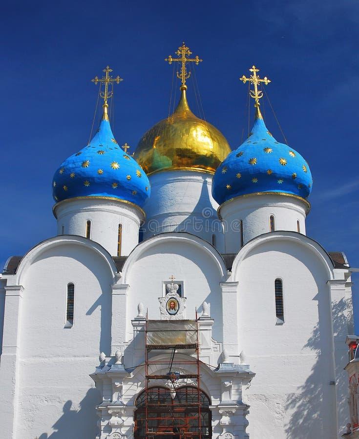 Dreiheit Sergius Lavra, Sergiev Posad, Russland Dormition Kirche lizenzfreies stockbild