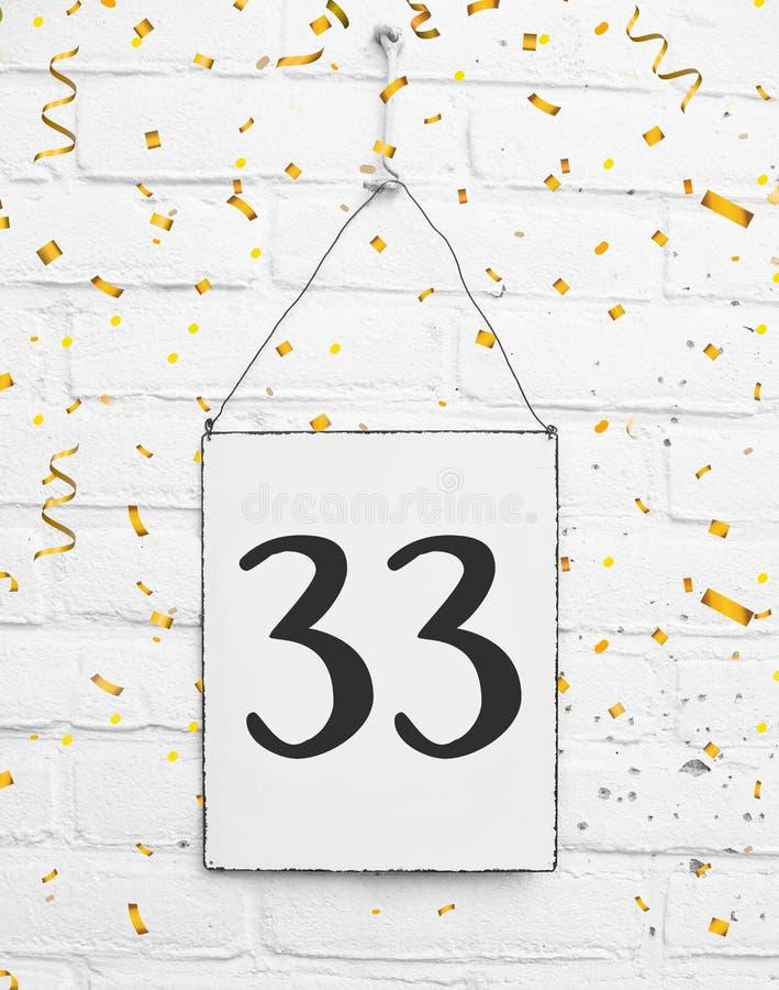 33 dreiunddreißig Jahre altes Geburtstagsgeburtstagsparty congratula stockfotos
