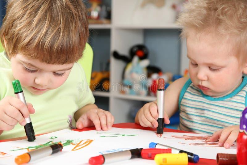 Drenaje de los niños fotografía de archivo libre de regalías
