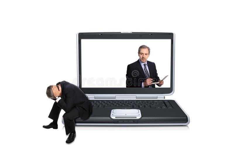 drepressed компьютер бизнесмена стоковое изображение rf