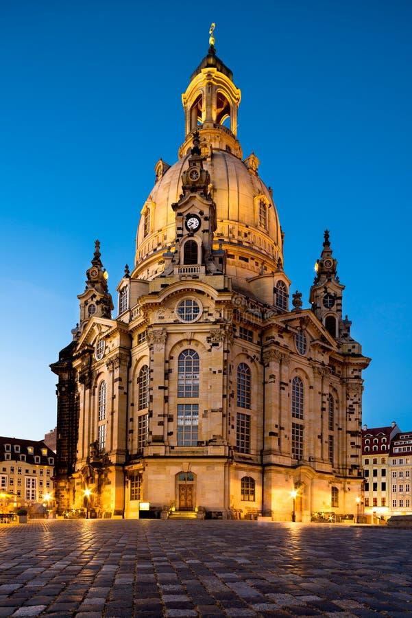 Dresda, Frauenkirche alla notte fotografie stock libere da diritti