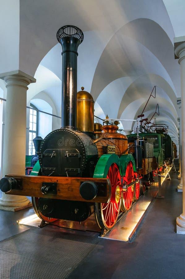 DRESDA, GERMANIA - MAI 2015: prima locomotiva a vapore Sassonia dentro immagine stock libera da diritti