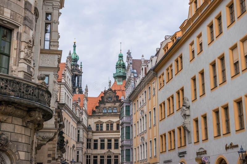 Dresden, Alemanha, parede do mosaico e Frauenkirche fotos de stock