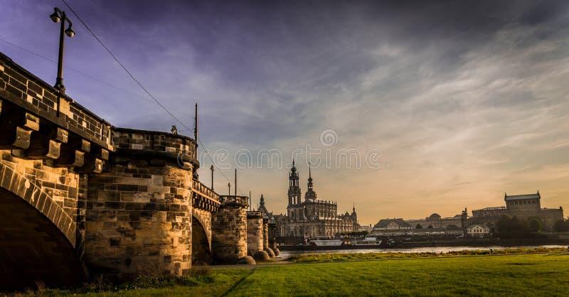 Dresden in de avond royalty-vrije stock fotografie