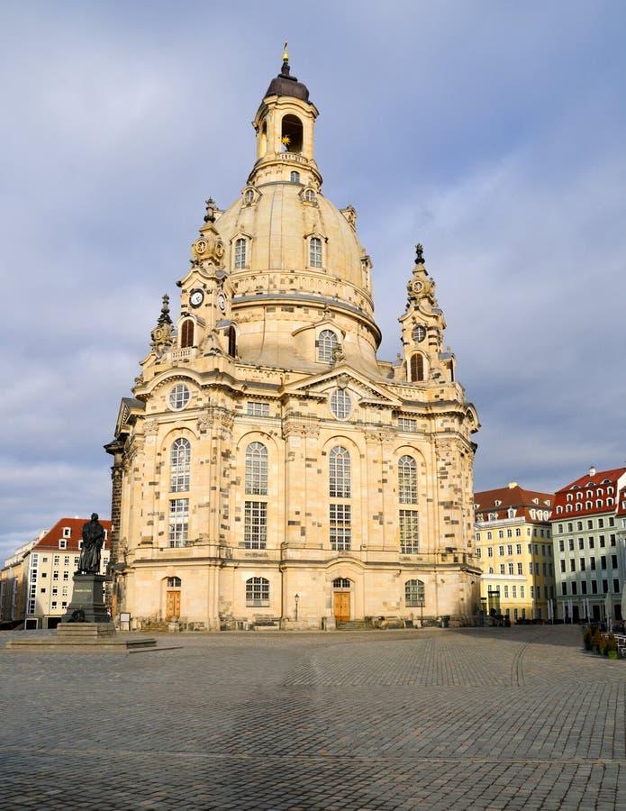 Dresden, Frauenkirche na de regen royalty-vrije stock afbeeldingen