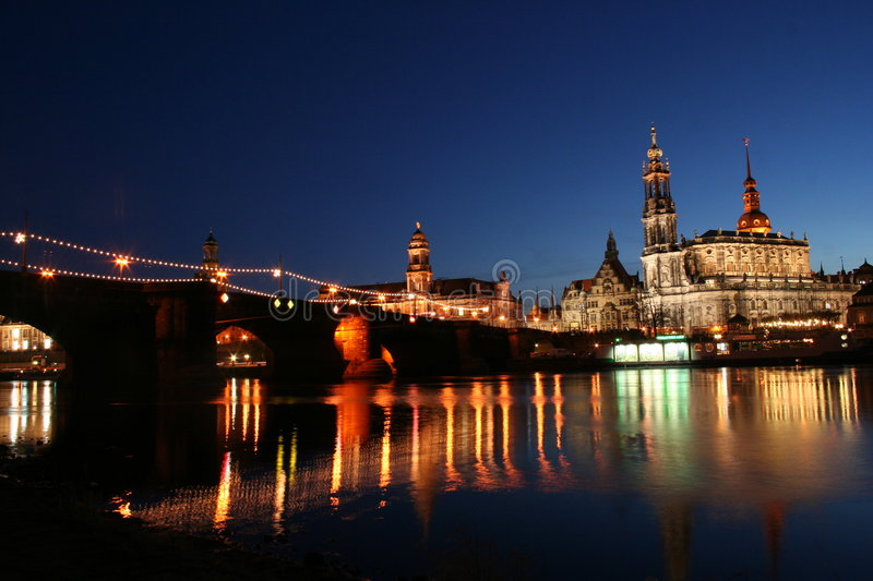 Dresden_mirrored_1 photographie stock libre de droits