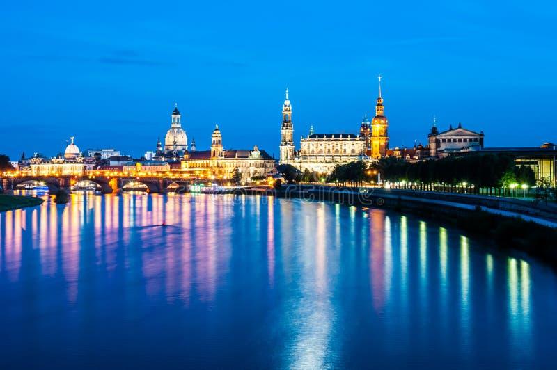 Dresden nachts lizenzfreie stockfotografie