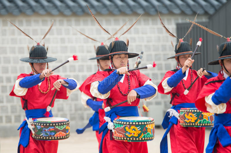Dressed in traditional costumes from Gwanghwamun gate of Gyeongbokgung Palace Guards. Seoul, South Korea - April 22, 2016: Seoul, South Korea April 22, 2016 royalty free stock photo