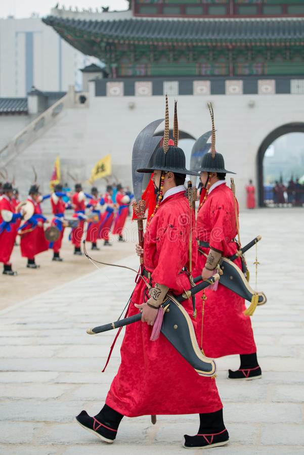 Dressed in traditional costumes from Gwanghwamun gate of Gyeongbokgung Palace Guards. Seoul, South Korea - April 22, 2016: Seoul, South Korea April 22, 2016 royalty free stock photos