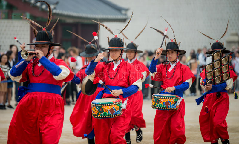 Dressed in traditional costumes from Gwanghwamun gate of Gyeongbokgung Palace Guards. Seoul, South Korea - April 22, 2016: Seoul, South Korea April 22, 2016 royalty free stock image