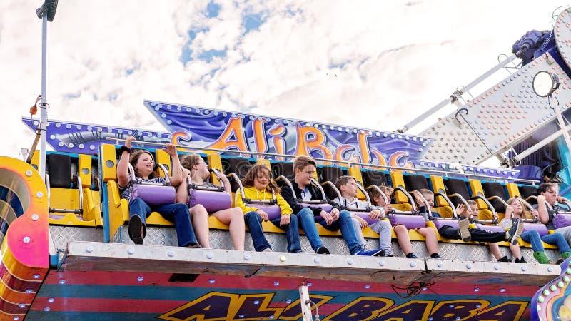Dreszczowa wysokości I postu przejażdżka Przy kraju Fairground zdjęcie stock