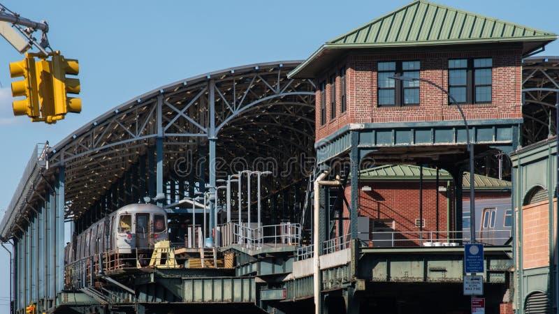 Drev stoped i den Coney Island gångtunnelstationen - New York arkivbild