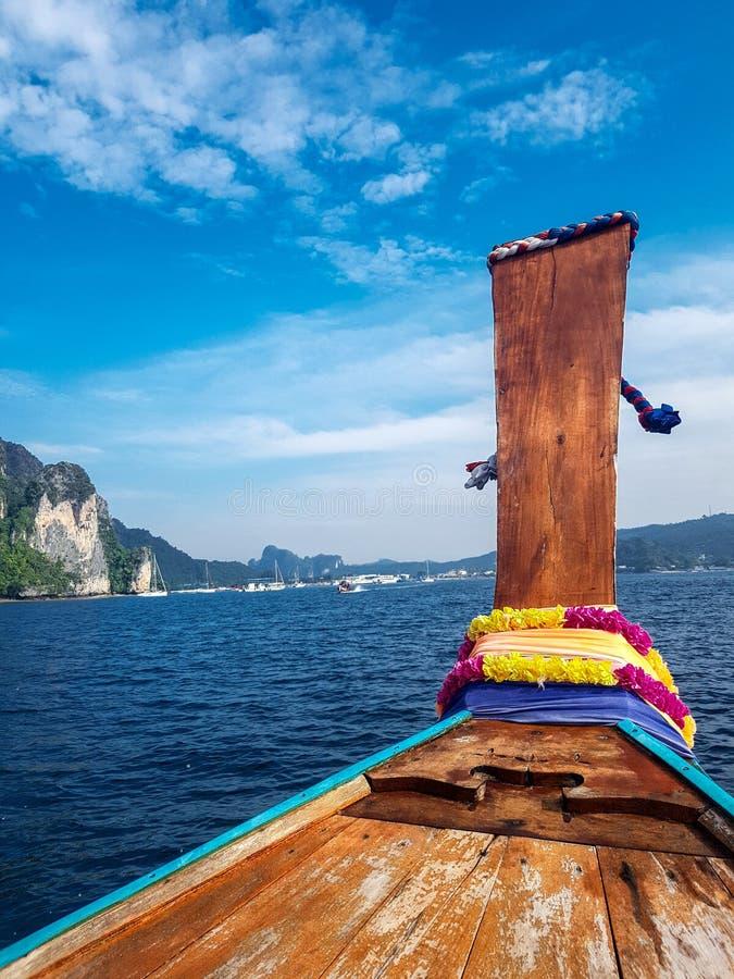 Drewniana łódź nad morzem obrazy royalty free