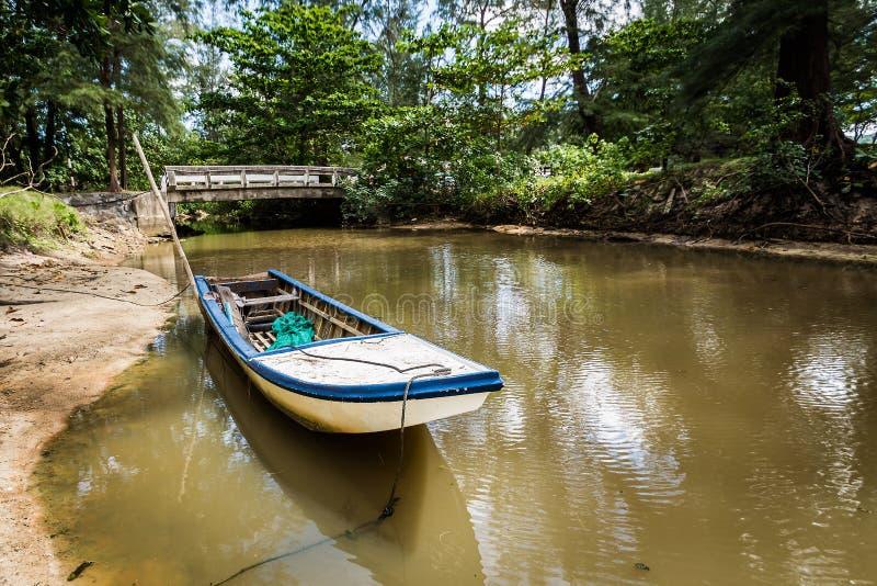 Drewniana łódź w kanale zdjęcia stock