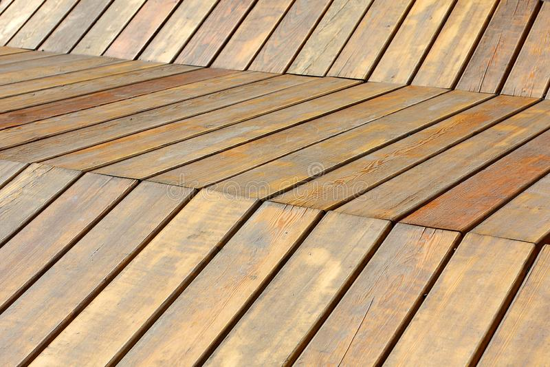 Drewniana ?awka w parku, miejsce odpoczywa? zdjęcie royalty free