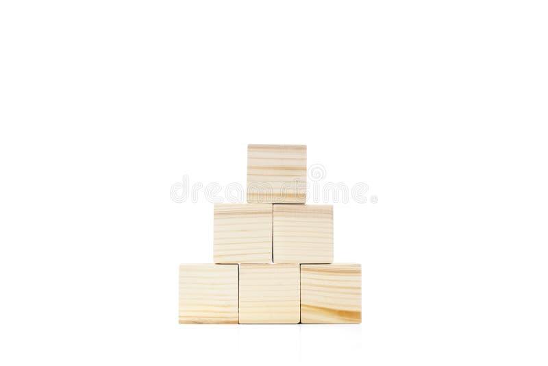 Drewniana blok zabawka z ostrosłupa kształtem zdjęcie royalty free