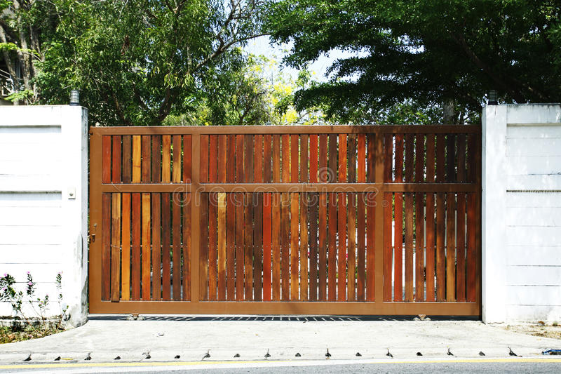 Drewniana brama zdjęcie stock