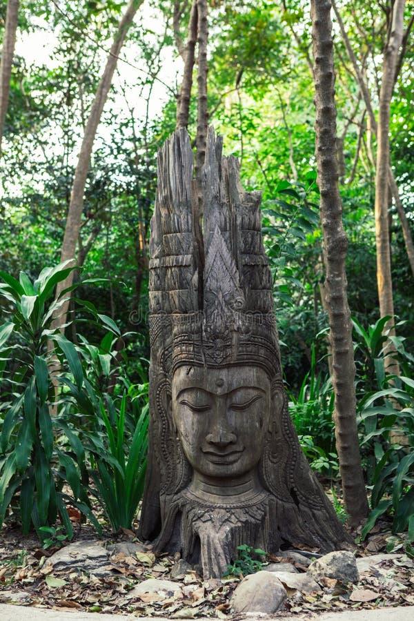 Drewniana Buddha statua zdjęcia royalty free